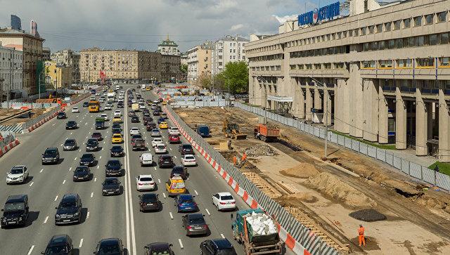 Власти Москвы просят автомобилистов избегать поездок поСадовому кольцу