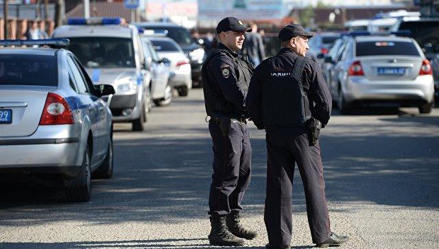 Сотрудники полиции.