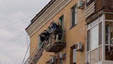 Взрыв обрушил перекрытия четырехэтажного дома в Волгограде. Кадры с места ЧП