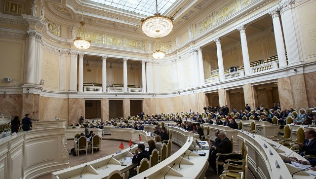 Депутаты Петербурга предложили штрафовать за курение в общежитиях