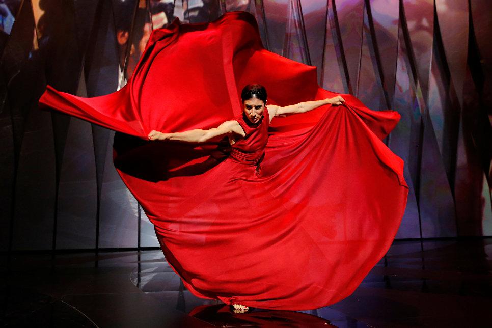 Испанская танцовщица Бланка Ли на церемонии открытия 70-го Каннского международного кинофестиваля