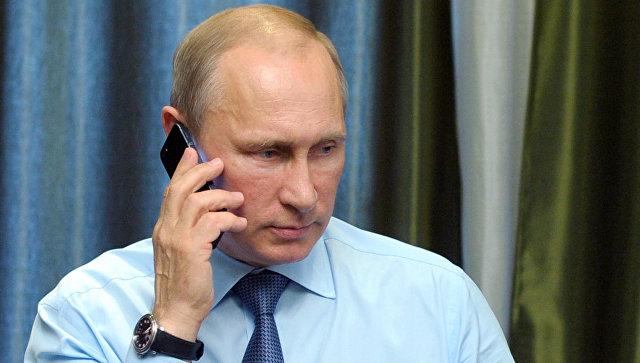 В Кремле раскрыли детали телефонного разговора Путина и Порошенко