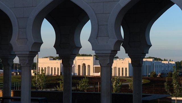 Болгарская исламская академия при Соборной Ак-мечети во время праздника Изге Болгар Жыены в городе Болгаре