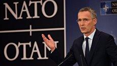 Генеральный секретарь НАТО Йенс Столтенберг выступает на саммите НАТО в Брюсселе