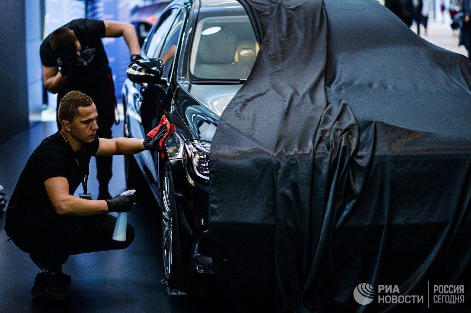Подготовка стенда в Экспофоруме к открытию Санкт-Петербургского международного экономического форума 2017