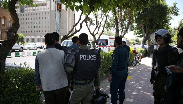 Террористы атаковали парламент Ирана, необошлось без жертв