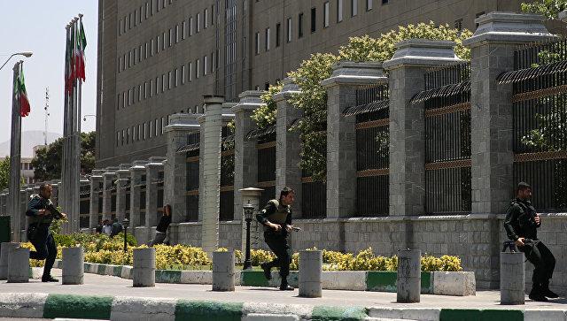 Серия атак в Иране: не менее 12 человек погибли, число раненых достигло 39