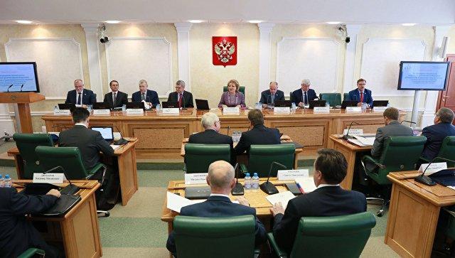 """Сенатор Климов о вмешательстве в дела РФ: работают, как """"бешеные принтеры"""""""
