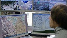 Сотрудник ФГБУ Гидрометцентр России за рабочим местом. Архивное фото