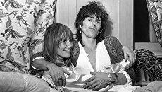 Гитарист Rolling Stones Кит Ричардс и его спутница Анита Палленберг в Лондоне. Архивное фото