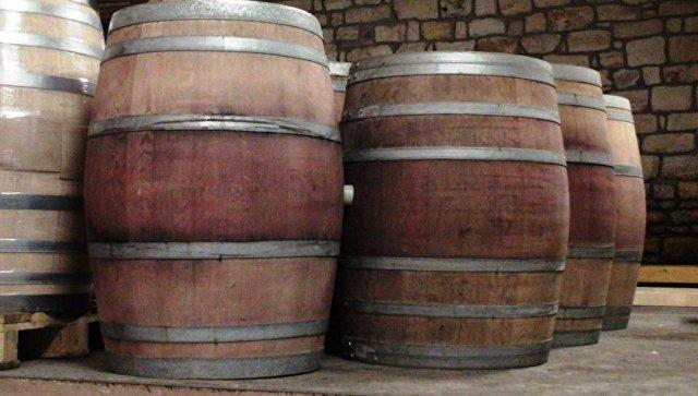 Неизвестные вылили 200 000 литров вина избочек наюге Франции