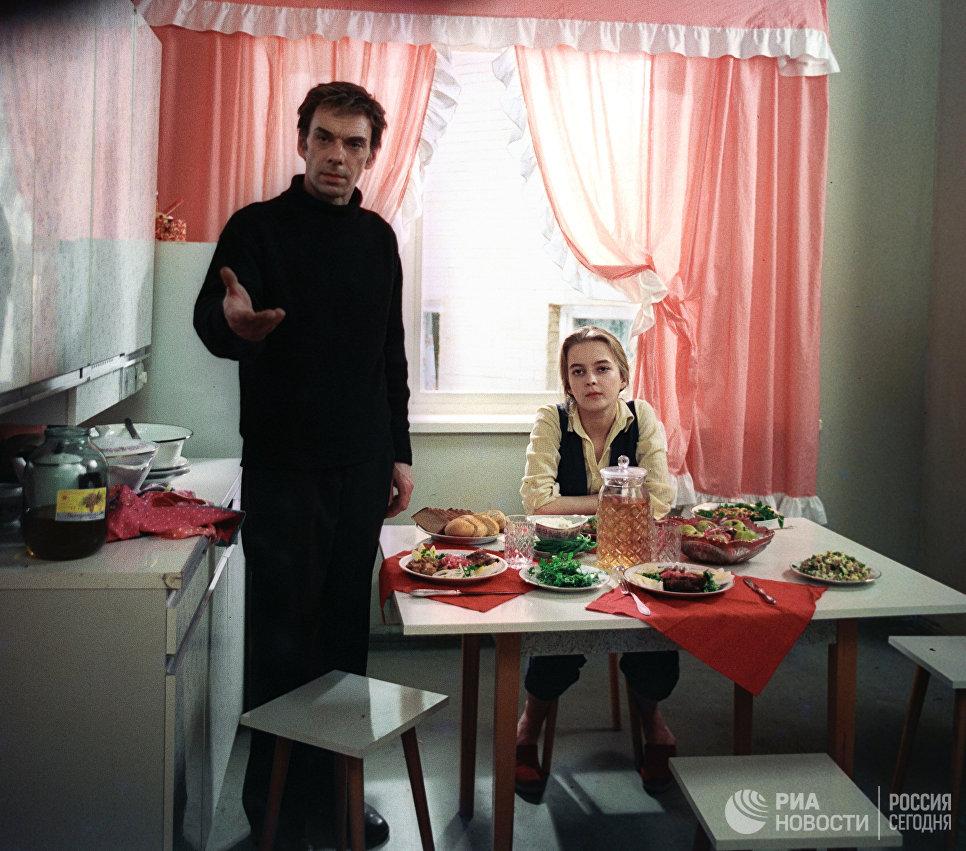 Кадр из фильма Москва слезам не верит