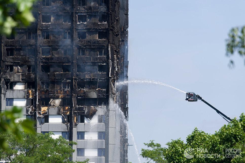 Пожар в многоэтажном жилом доме на западе Лондона