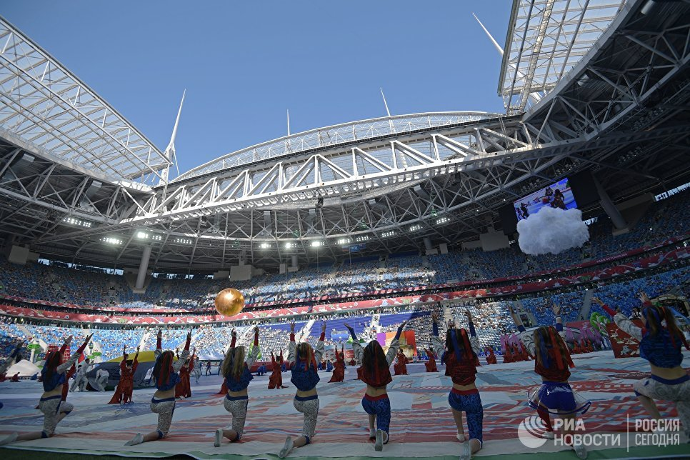 Артисты на церемонии открытия Кубка конфедераций-2017 в Санкт-Петербурге. 17 июня 2017