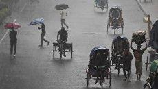Сильный ливень в Дакке, Бангладеш. 19 июня 2017