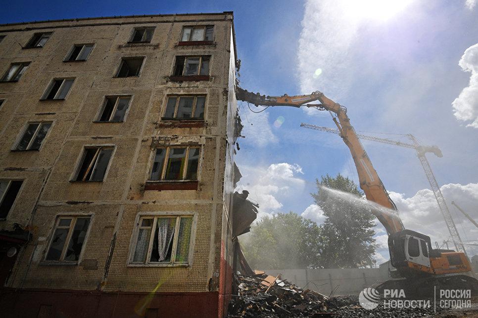 Снос последнего пятиэтажного жилого дома серии K-7 на проспекте Маршала Жукова в Москве