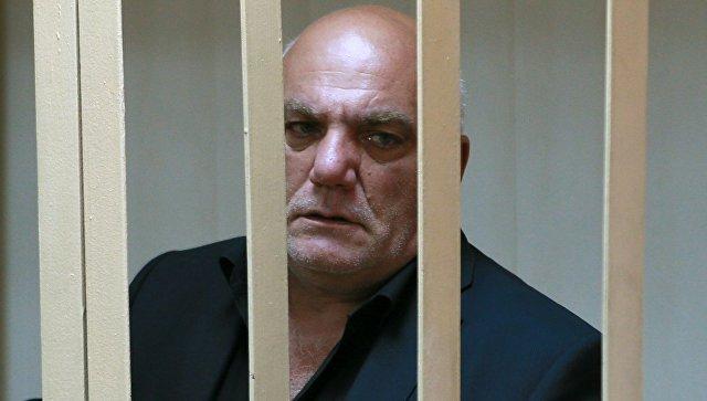 Бизнесмен Арам Петросян, пытавшийся захватом заложников заявить о проблеме банкротств в России, попросил Путина прийти на суд