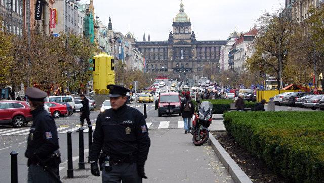 Полицейские на Вацлавской площади в Праге. Архивное фото