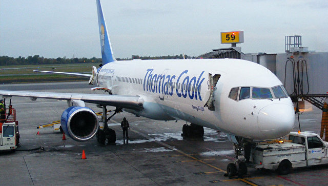 Авиалайнер сосломанным крылом экстренно вернулся ваэропорт Манчестера