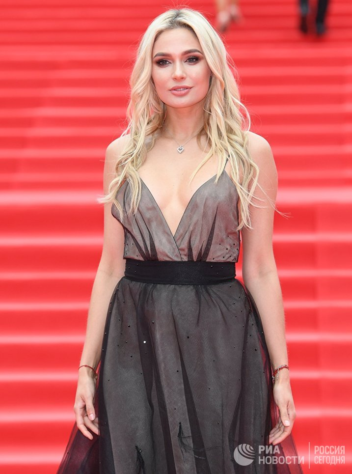 Актриса Наталья Рудова на церемонии закрытия 39-го Московского международного кинофестиваля