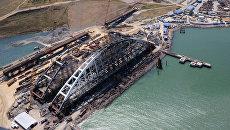Строительство железнодорожной части Керченского моста в Крыму. Архивное фото