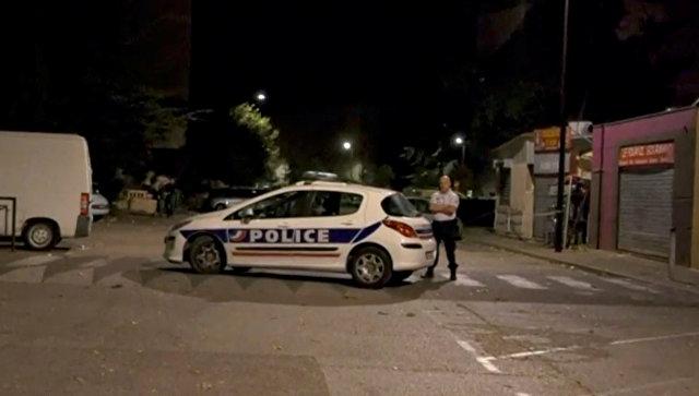 Полиция на месте стрельбы во французском Авиньоне. 3 июля 2017