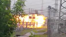 Мощный взрыв на электроподстанции в Томске попал на видео