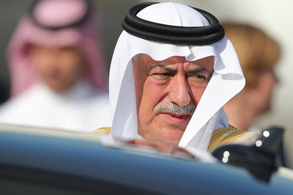 Премьер-министр Саудовской Аравии Ибрагим Абдулазиз аль-Ассаф в аэропорту Гамбурга