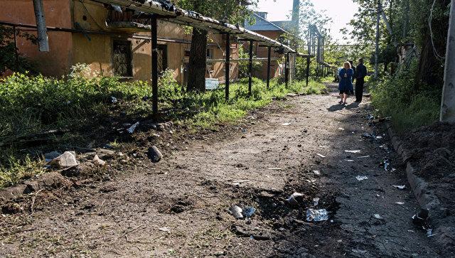 Последствия обстрелов Донбасса. Архивное фото