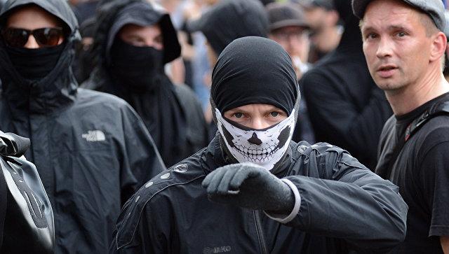 Участники акции протеста во время проведения саммита G20 в Гамбурге. Архивное фото