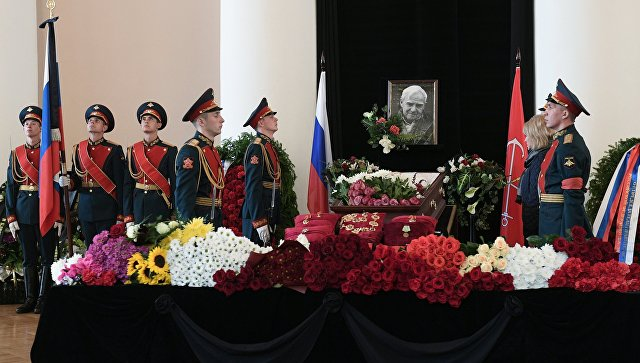В северной столице власти определились сместом ивременем похорон писателя Даниила Гранина