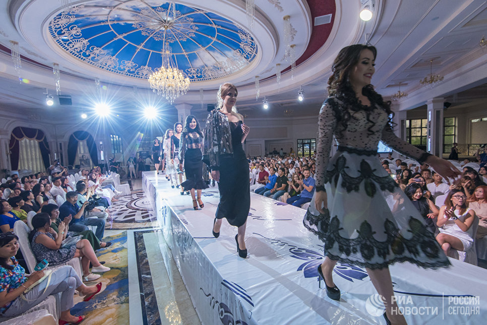 Участницы конкурса красоты Красавица Кыргызстана в Бишкеке