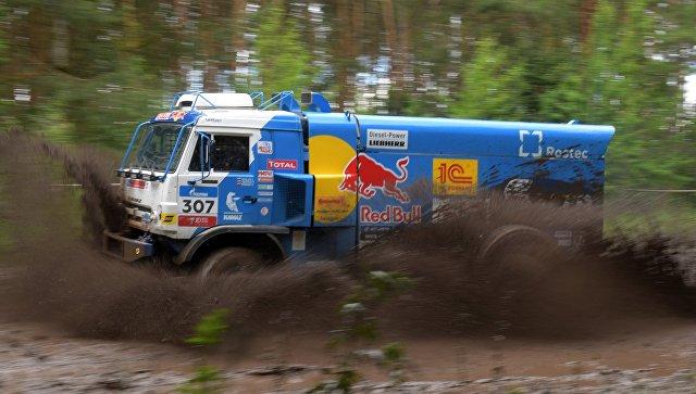Экипаж Мардеева финишировал первым на12-м этапе ралли «Шелковый путь»
