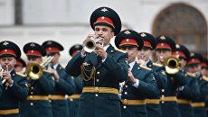 Участники фестиваля Спасская башня на репетиции в Кремле