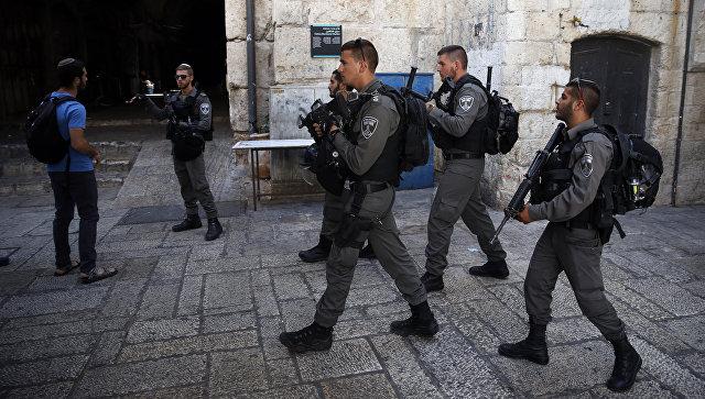 В Иерусалиме неизвестная ранила израильтянина ножом
