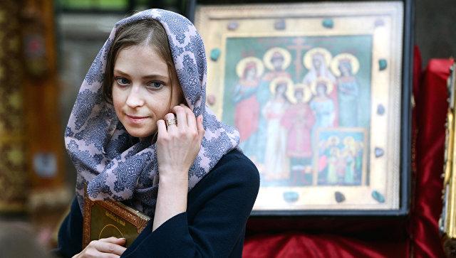 Наталья Поклонская во время крестного хода в Екатеринбурге. Архивное фото