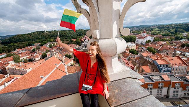 В Литве начали ретранслировать русскоязычный телеканал