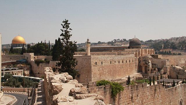 Мечеть Купол скалы и мечеть Аль-Акса на Храмовой горе в Иерусалиме. Архивное фото