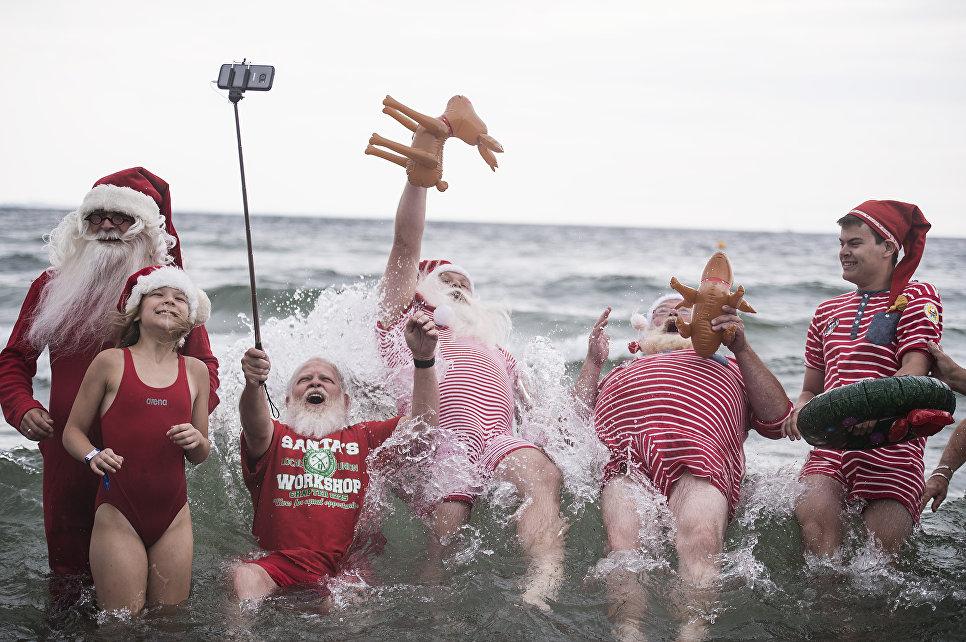 Санта-Клаусы перед ежегодным всемирным конгрессом в Копенгагене
