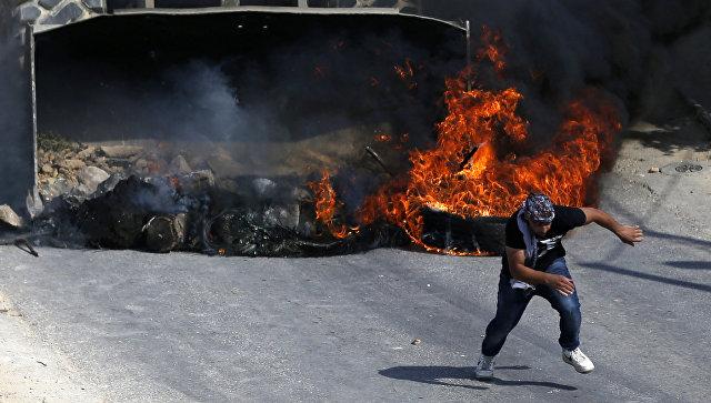 Столкновения палестинцев с израильской армией. Архивное фото