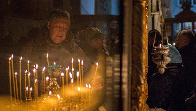 Празднование Рождества Христова в городах России. Архивное фото