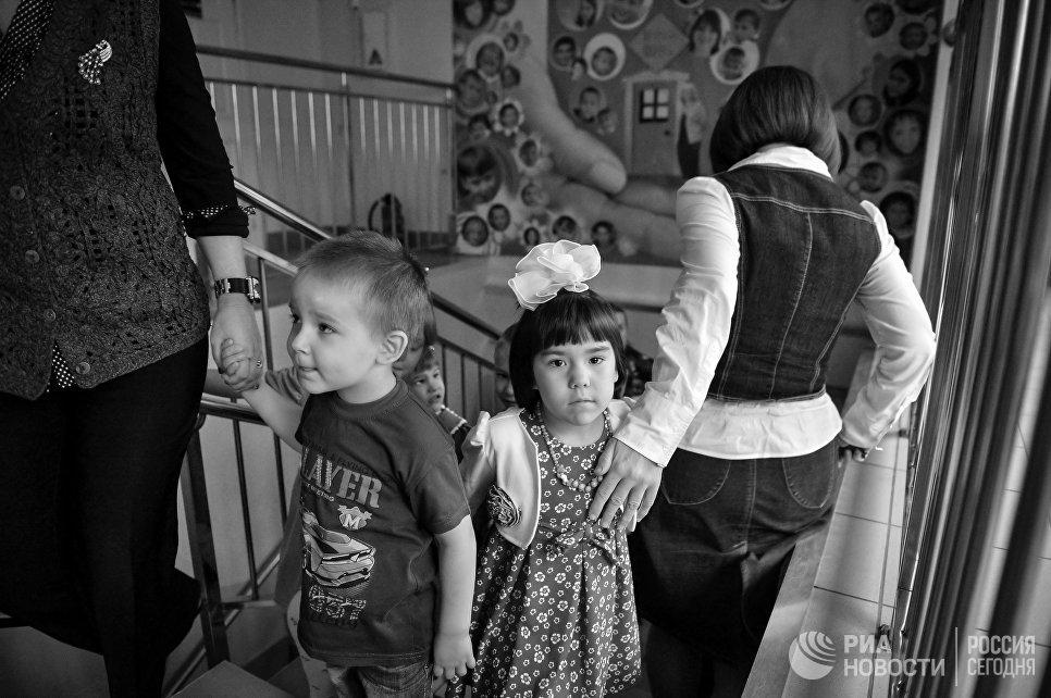 ВПодмосковье более 970 детей-сирот обрели семьи в2017г