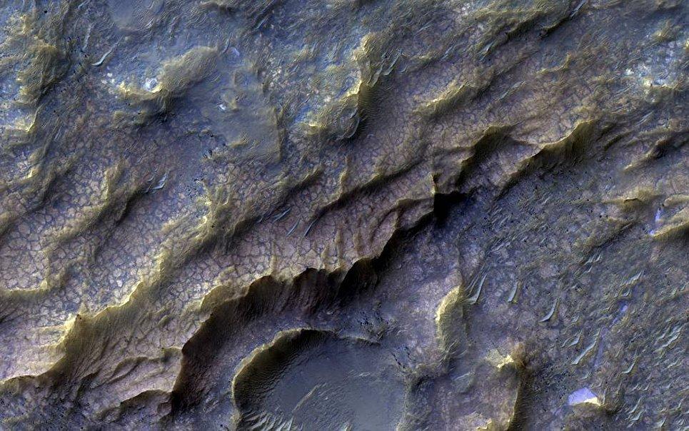 Поверхность Марса снятая Марсианским разведывательным спутником