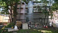 Четырехэтажный жилой дом в Москве, включенный в программу реновации. Архивное фото