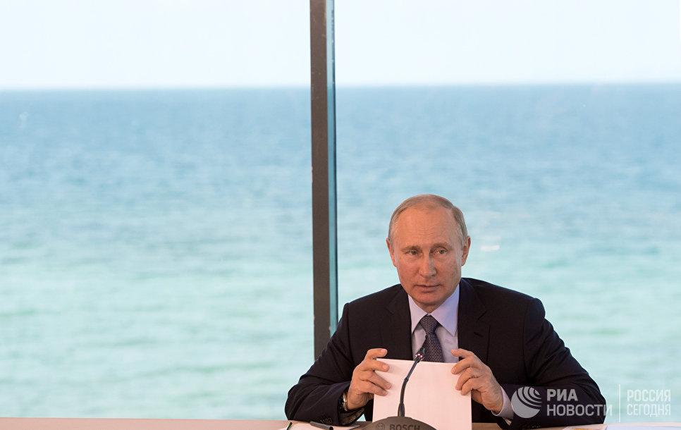 В.Путин пообещал подумать об участии в президентских выборах