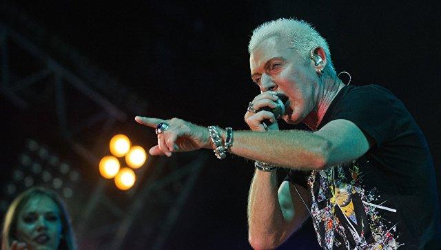 Солист немецкой группы Scooter Эйч Пи Бакстер выступает на музыкальном фестивале #ZBFest