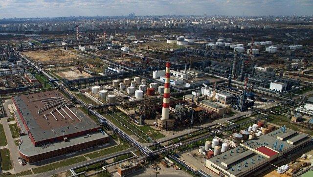 Московский нефтеперерабатывающий завод в районе Капотня. Архивное фото