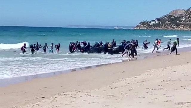 Мигранты на юге Испании. Архивное фото