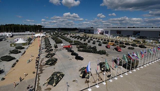 Экспозиция военной техники в преддверии открытия Международного военно-технического форума Армия-2017. 15 августа 2017