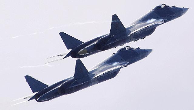 Российские многофункциональные истребители пятого поколения Су-57. Архивное фото